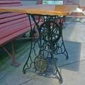 Gotowy stół z jesionowym blatem.